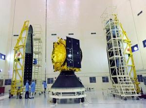 जीसैट-14 भारत का 23 वां भूस्थिर संचार उपग्रह है। जीसैट-14 के चार पूर्ववर्तियों का प्रक्षेपण जीएसएलवी ने 2001, 2003, 2004 और 2007 में किया था। जीसैट-14 भारत के नौ ऑपरेशनल भूस्थिर उपग्रहों के समूह में शामिल होगा। इस मिशन का प्राथमिक उद्देश्य विस्तारित सी और केयू-बैंड ट्रांसपोंडरों की अंतर्कक्षा क्षमता को बढ़ाना और नये प्रयोगों के लिए मंच प्रदान करना है। जीसैट-14 को 74 डिग्री पूर्वी देशांतर पर स्थापित किया जाएगा और इनसैट-3 सी, इनसैट-4 सीआर और कल्पना-1 उपग्रहों के साथ स्थित होगा। जीसैट-14 पर मौजूद 12 संचार ट्रांसपोंडर इनसैट, जीसैट प्रणाली की क्षमता को और बढ़ाएंगे।