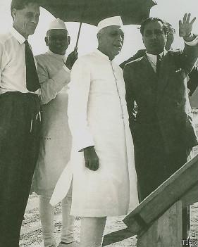 पंडित नेहरू के साथ भाभा