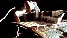वापसी के दौरान वोर्डन ने स्पेस वॉक किया था, ये तस्वीर उनके साथी जेम्स इरविन ने ली थी.