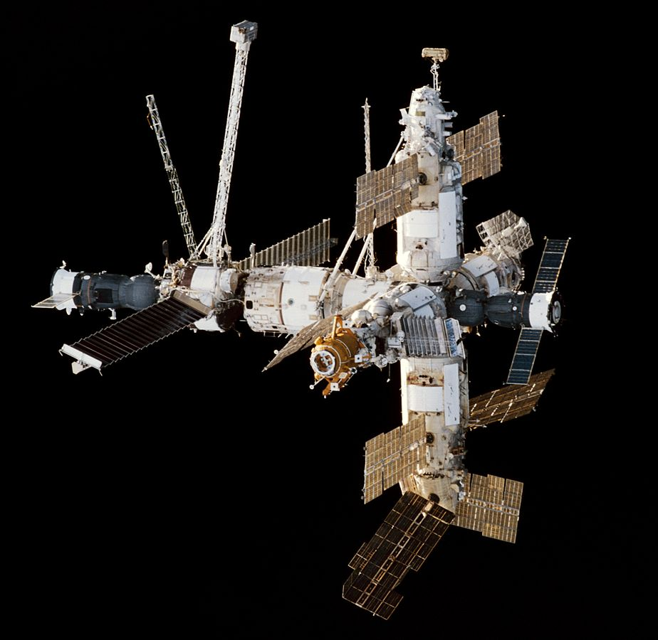 विश्व का प्रथम स्थायी अंतरिक्ष स्टेशन मीर