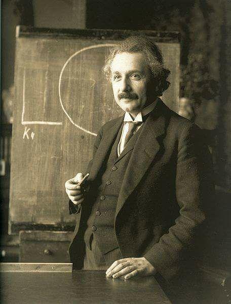भौतिकविदो का इतिहास : संक्षिप्त अवलोकन