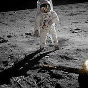 अपोलो 11 अभियान मे बज आल्ड्रीन का वास्तविक चित्र