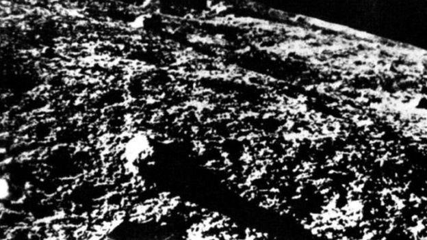 चंद्रमा की सबसे पहली तस्वीरें सोवियत के लूना 9 ने 1966 में पृथ्वी पर भेजी थीं